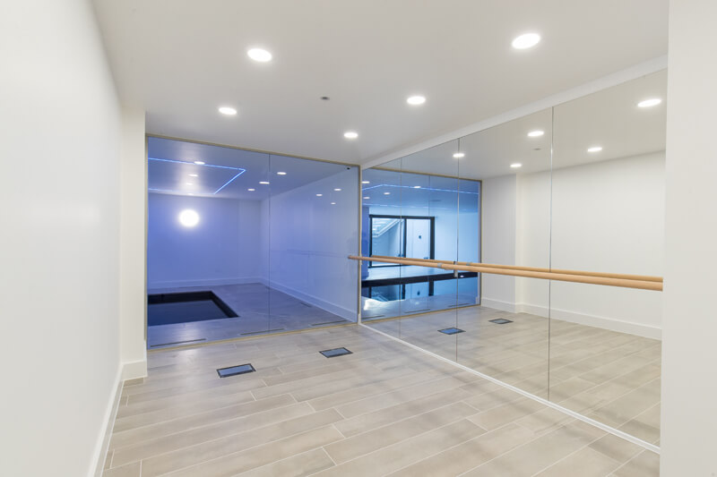 North London new build gym by Aubrey Homes
